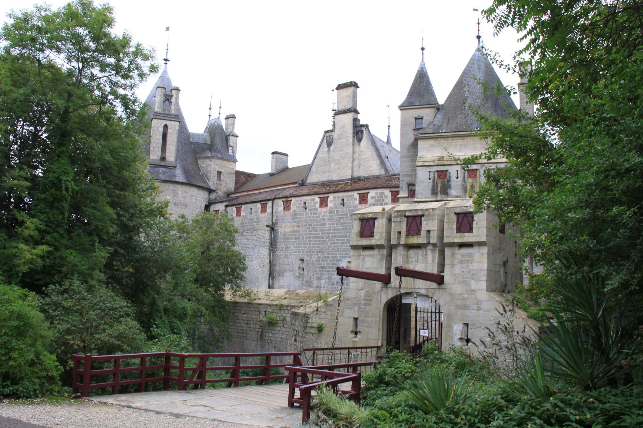 Châteaux et belles demeures de Bourgogne : Chateau de la Rochepot
