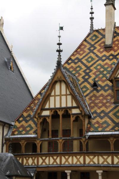 Hospices de Beaune toits décorés