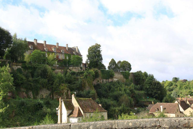 paysages remarquables de bourgogne : Semur-En-Auxois (21) vue depuis le pont