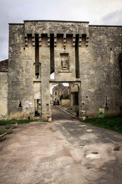 La Porte de Flavigny sur Ozerain