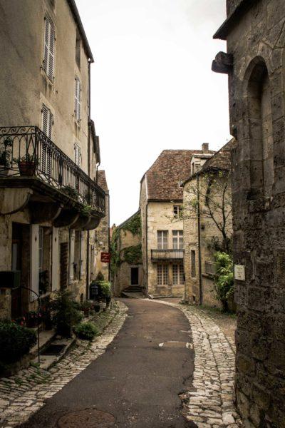 Rues de Flavigny sur Ozerain