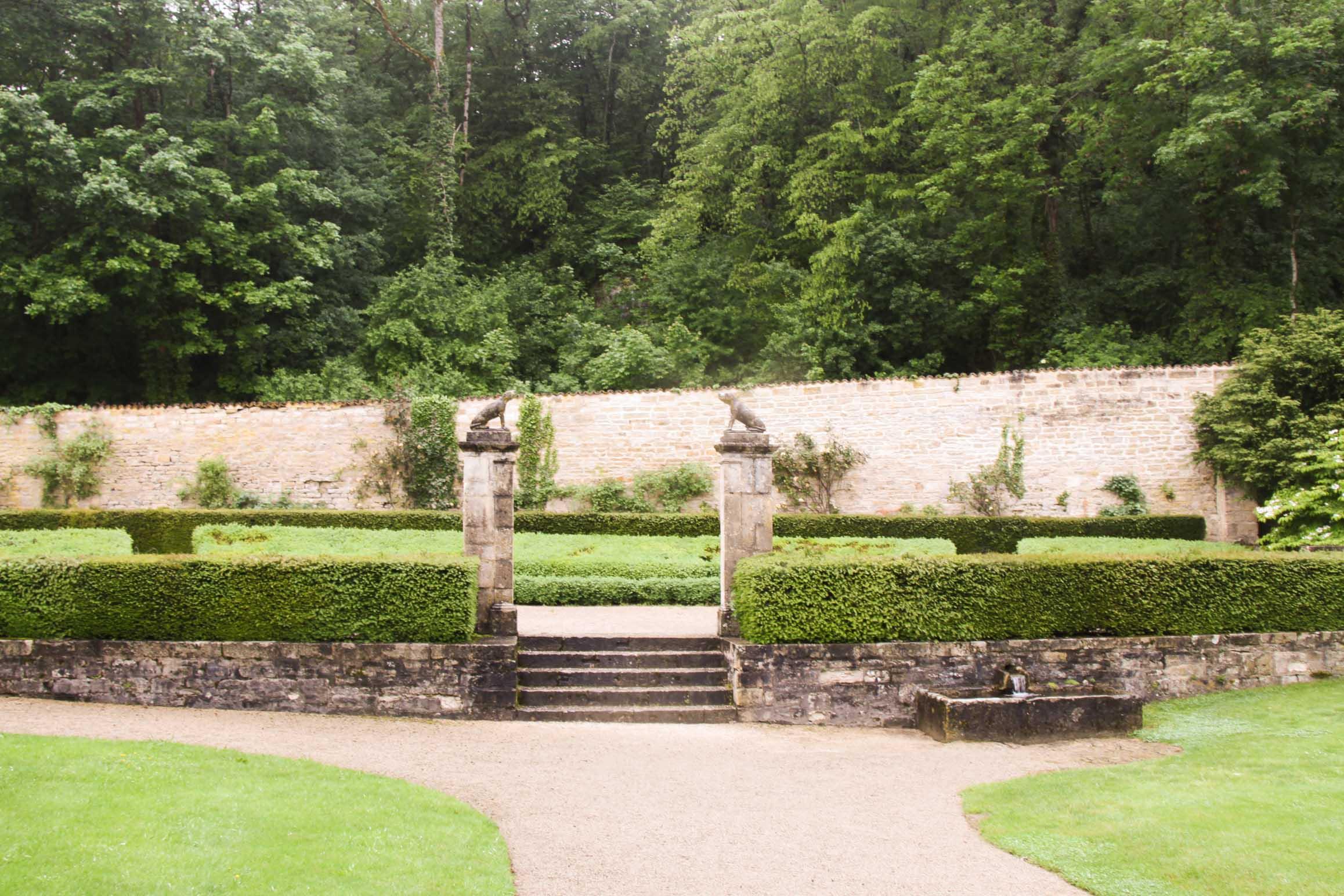 Eglises et abbayes Bourguignonnes : Jardins de l'abbaye de Fontenay