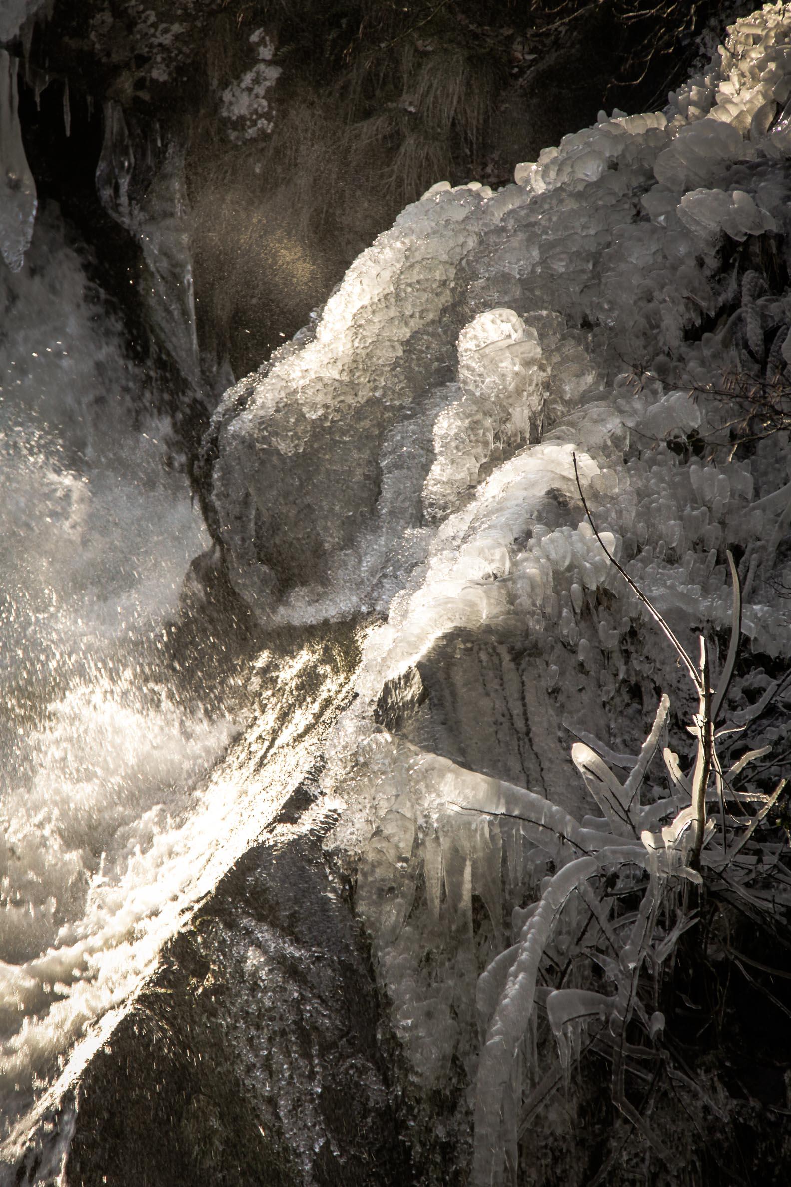 Nature insolite : Glace vers le Saut de Goulou (4)