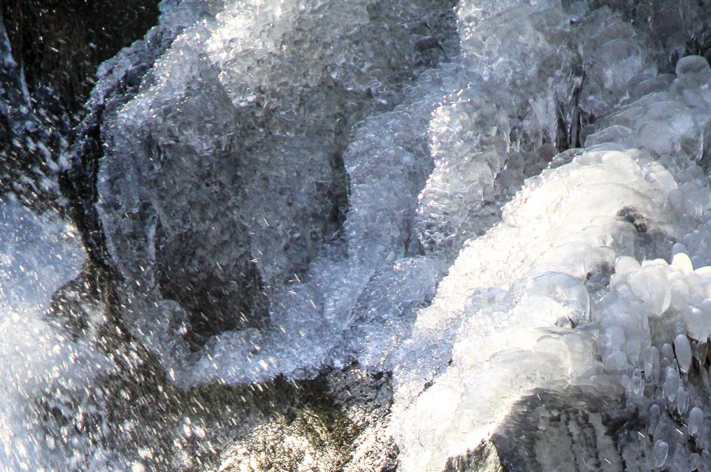Nature insolite : Glace vers le Saut de Goulou (2)