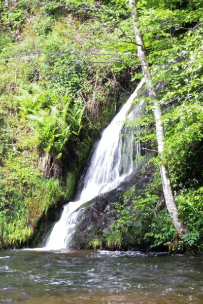 Eaux vives Morvandelles : Saut de Gouloux cascade latérale