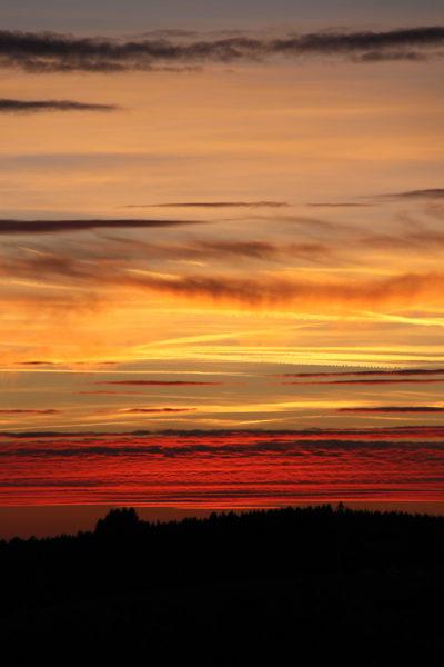 jeux de lumière : Saint Martin de la Mer coucher de soleil