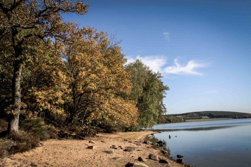 Lac de Saint-Agnan octobre 2017 sur le sentier autour du lac : Etrange nuage